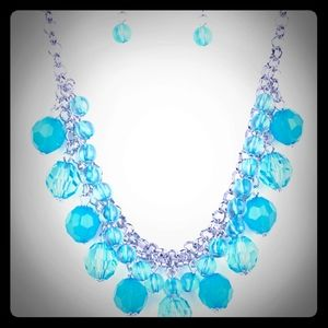 Paparazzi Blue Crystal necklace w/Earrings